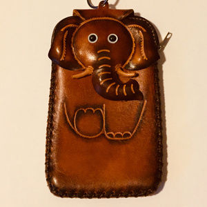 GENUINE LEATHER CELL PHONE CASE/POUCH